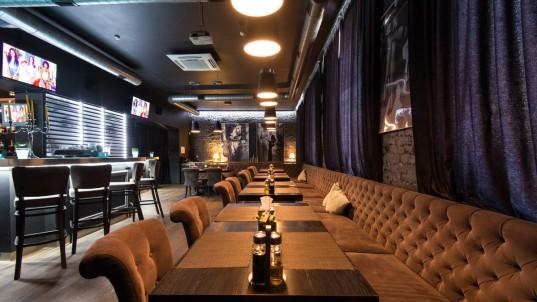 Кафе «Wine & Whiskey Bar Mixx (Вино & Виски бар Микс)» пересечение  Машерова пр. 10 и  Красная ул. 12, Минск